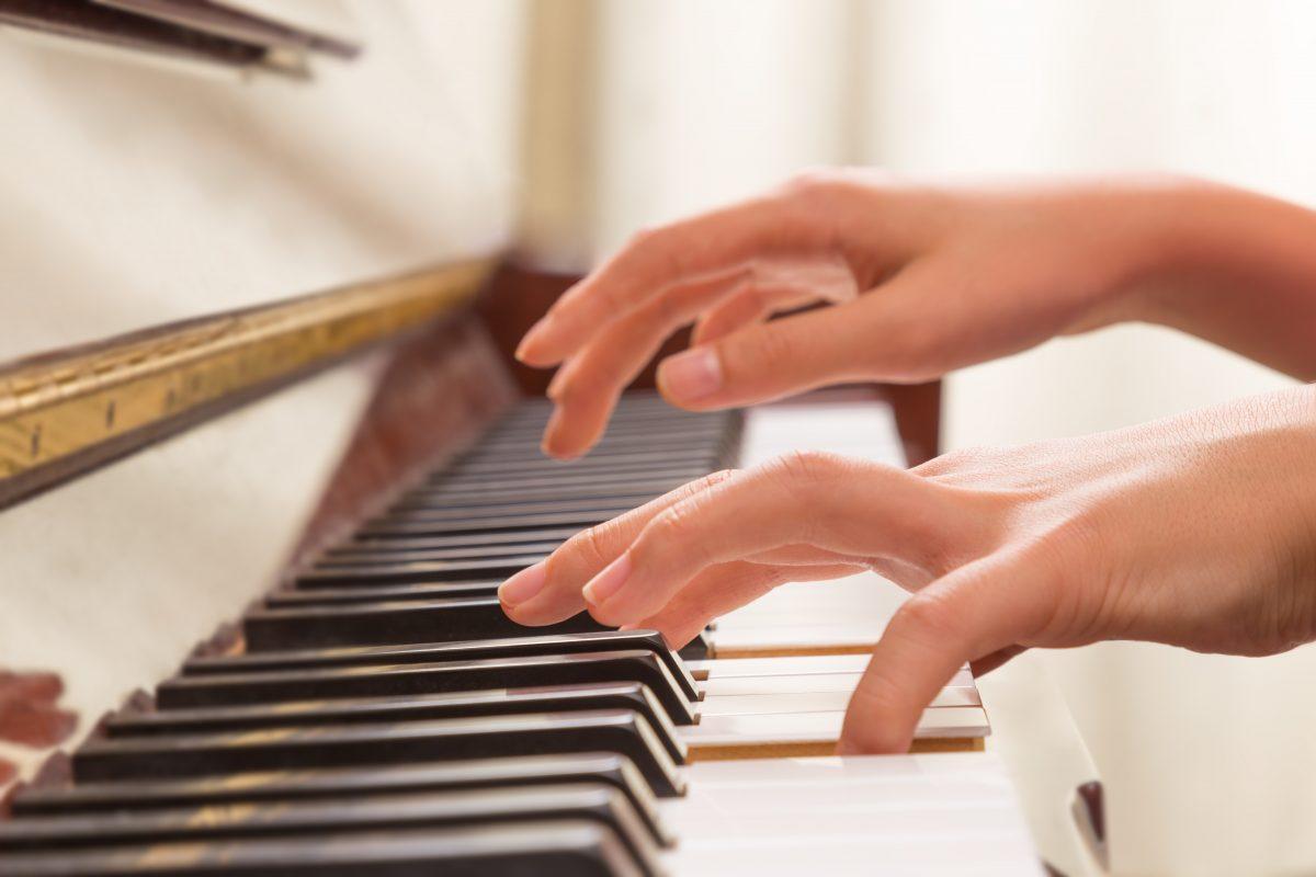 COMMENT REPRENDRE LE PIANO APRÈS UNE LONGUE COUPURE : MODE D'EMPLOI