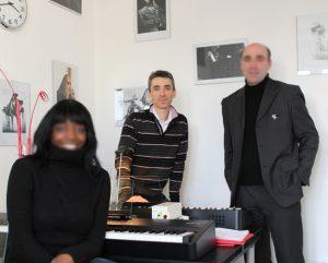 Cédric Charaudeau en cours avec un groupe d'élèves - Ecole Speed Piano Paris 13